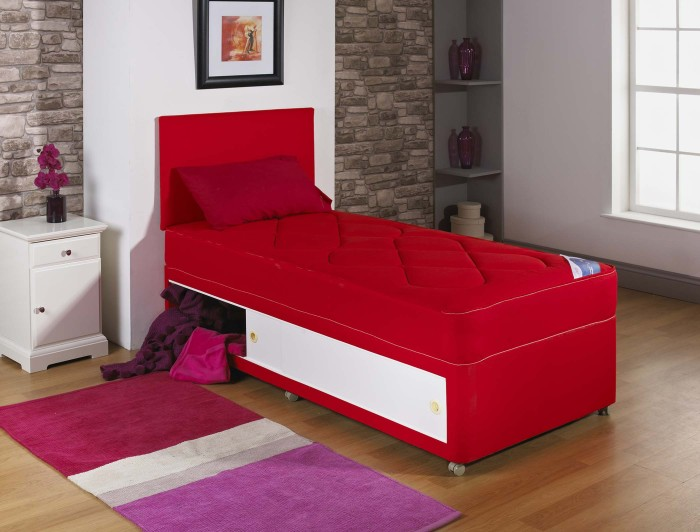 2ft6 3ft single kids quilted red divan bed with quilted for Single divan with mattress and storage